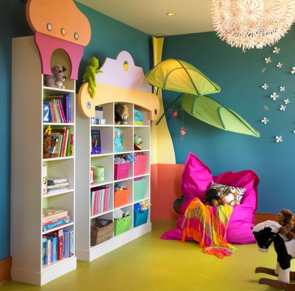 Maskros Pendant Lamp and strong colors light up this kids' room beautifully