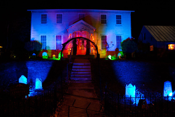 19 Ideas For Scary Halloween Horror Nights Lights And Effects