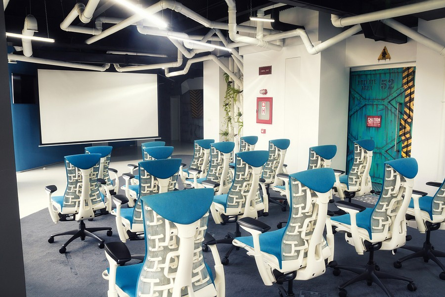 Imaginative SpaceshipThemed Office With A Touch of