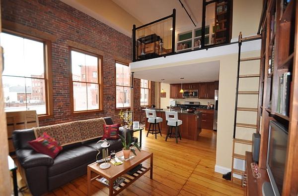 Un entresuelo sencilla transforma el apartamento en un loft