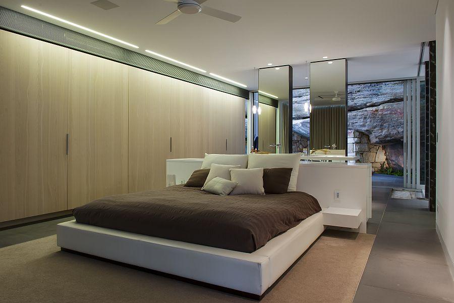 Contemporary Ensuite Bathroom With CuttingEdge Design in Sydney
