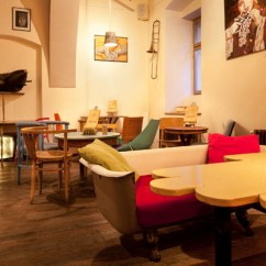 Friends Sofa Replica Gambar Desain Minimalis Eclectic Coffee Shop Design In The Heart Of Transylvania ...