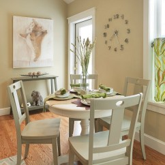 Small Kitchen Table Sets Staten Island Cabinets Dining Rooms That Save Up On Space Round Tables Are A Perfect Fit For