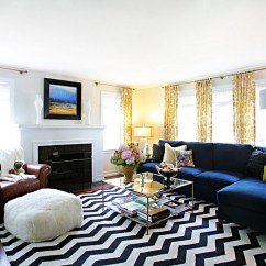 Rugs To Go With Brown Leather Sofa Softline Chevron Pattern Ideas For Living Rooms: Rugs, Drapes And ...