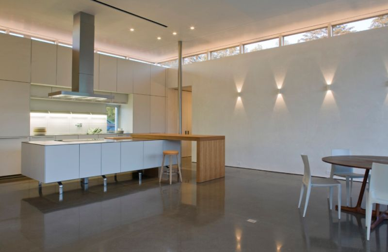 kitchen wall lights beige paint colors for how to use sconces design tips ideas view in gallery create light and shadow patterns on the