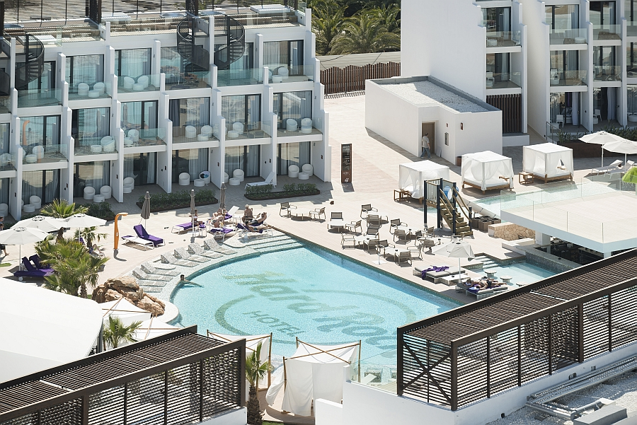 all weather outdoor dining chairs hickory chair simone king bed hard rock hotel ibiza, luxury details by tribu