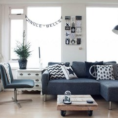 Living Room Pictures Black And White Wall Color With Gray Couch Rooms Design Ideas View In Gallery Some Christmas Cheer