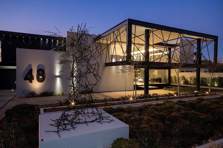 Luxurious Contemporary House In South Africa With