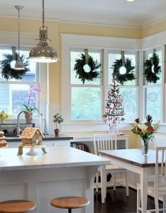 Elegant christmas kitchen decor design scale architects also decorating ideas that add festive charm to your rh decoist