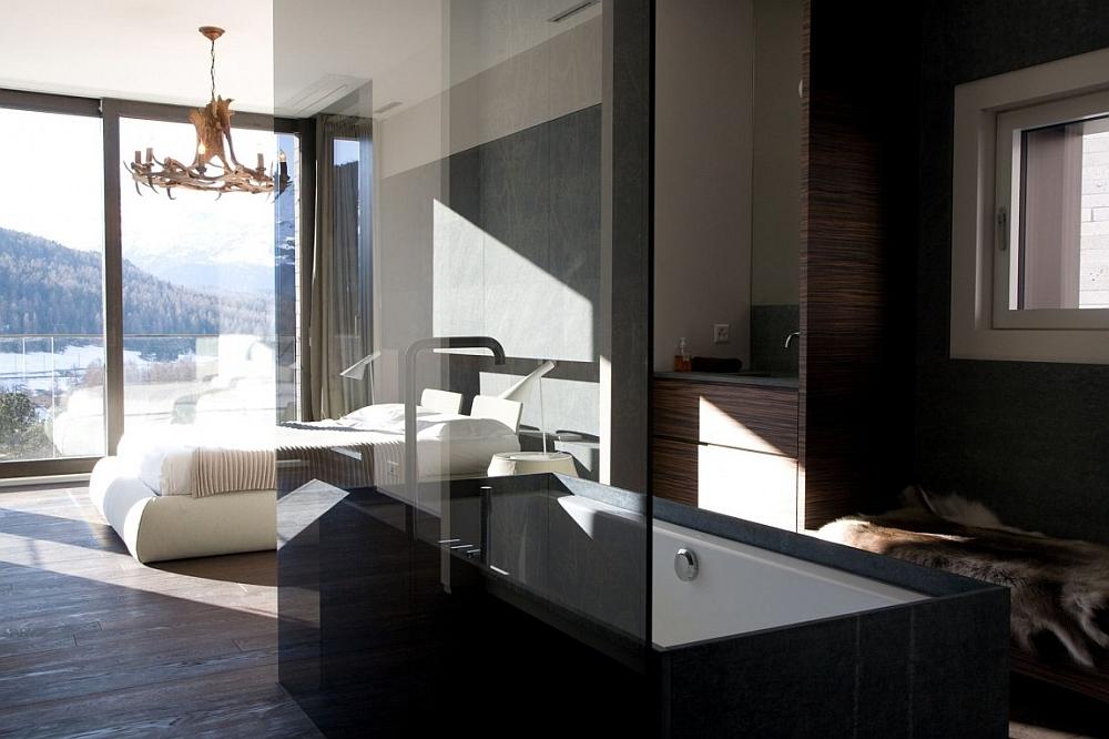 Posh Minimalist Apartment with Stunning Views of the Swiss