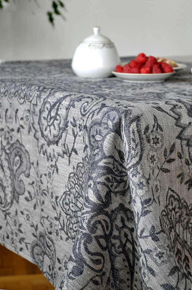 Elegant Tablecloths For Weddings