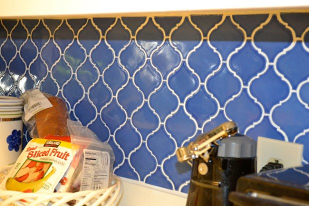 Kitchen Backsplash Ideas Blue patterned tile backsplash