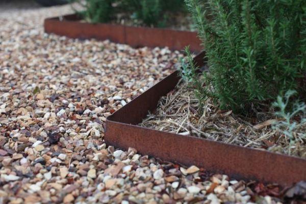 garden landscaping ideas borders