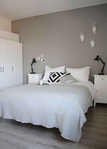 scandinavian bedroom design grey 36 Relaxing and Chic Scandinavian Bedroom Designs