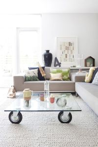 25 Coffee Tables on Wheels to Roll in the Good Times!