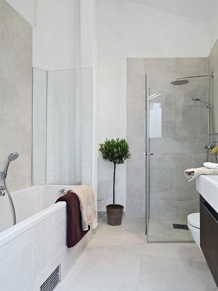 LessIsMore Modern Bathroom Decor