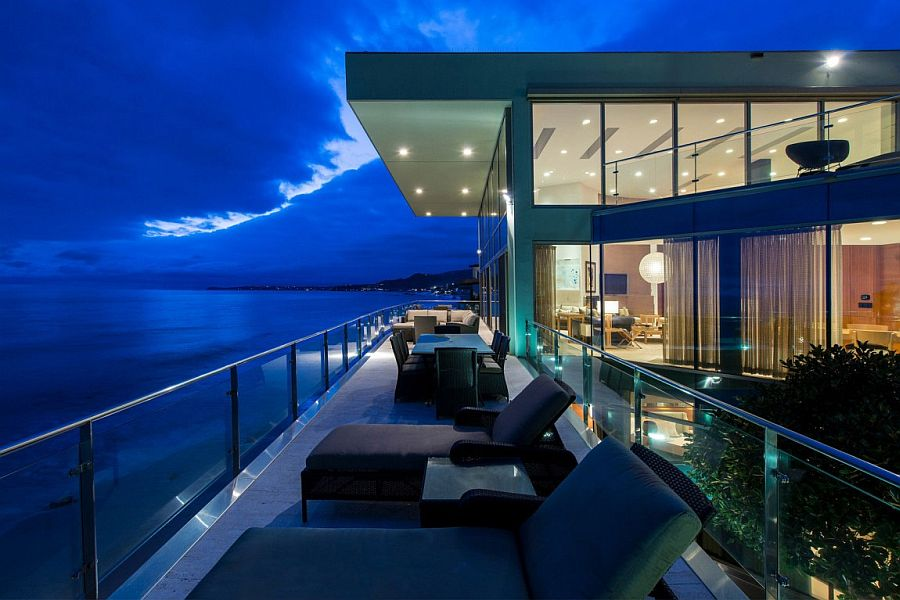 Living a Dream Next to the Ocean Sensational Malibu Beach House