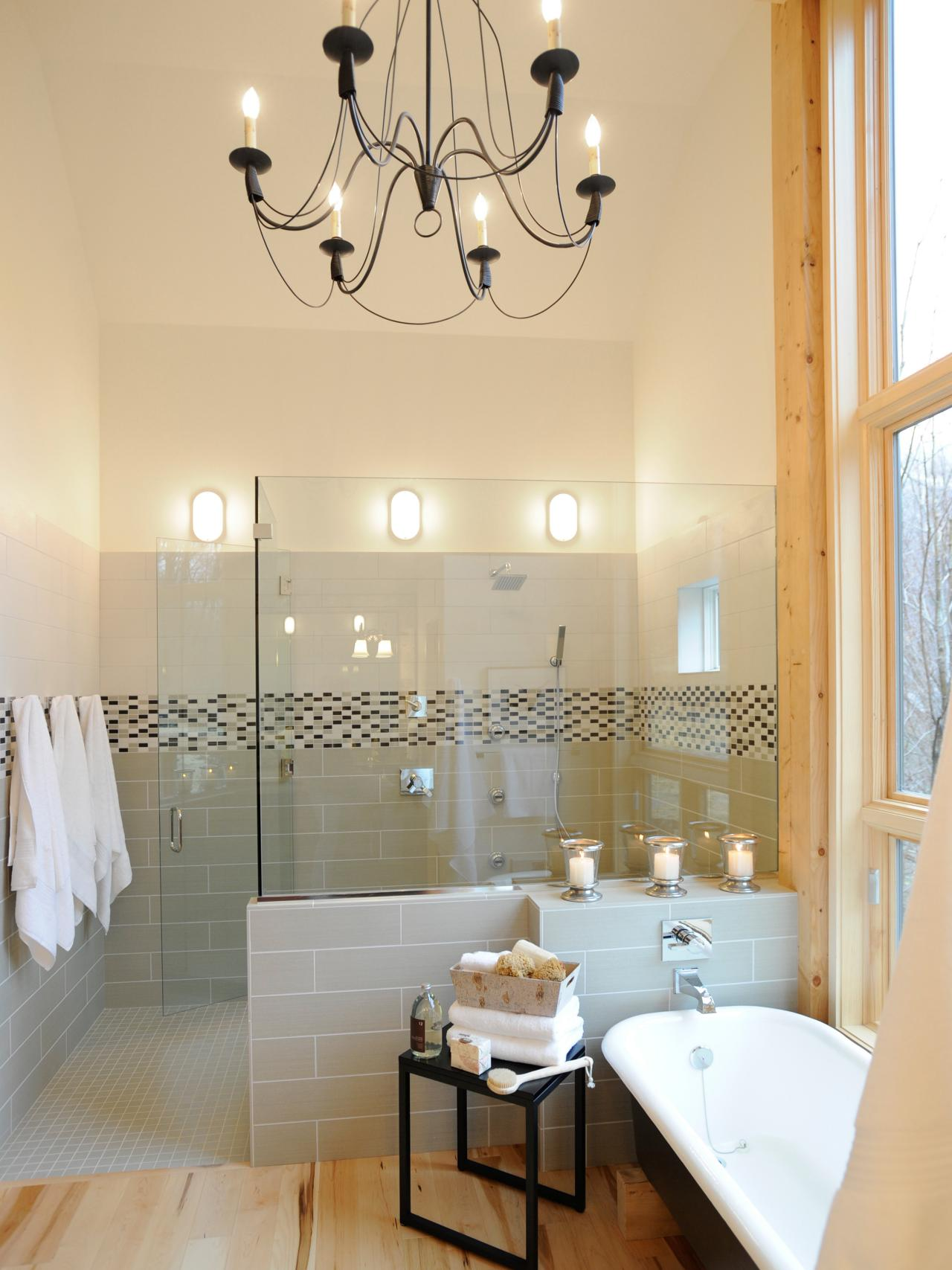 Bathroom Chandelier Lighting 20 Luxurious Bathrooms With Elegant Chandelier Lighting