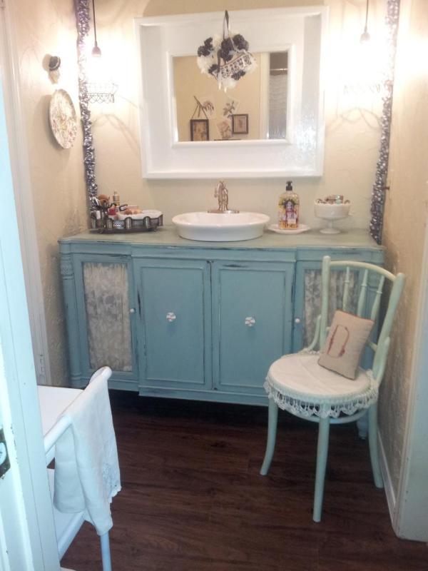 Shabby Chic Bathroom Vanity