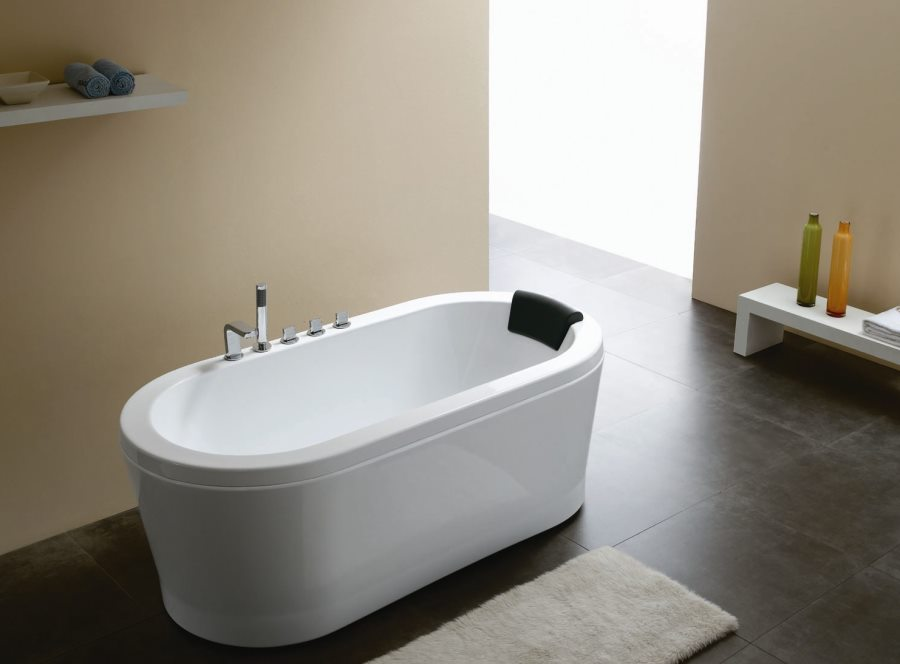 The Sleek Beauty Of Round Bathtubs