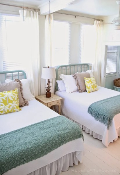 beach house bedroom 22 Guest Bedrooms with Captivating Twin Bed Designs