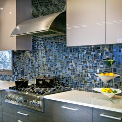 Mosaic Kitchen Tile Double Doors 18 Gleaming Backsplash Designs View In Gallery Dark Blue