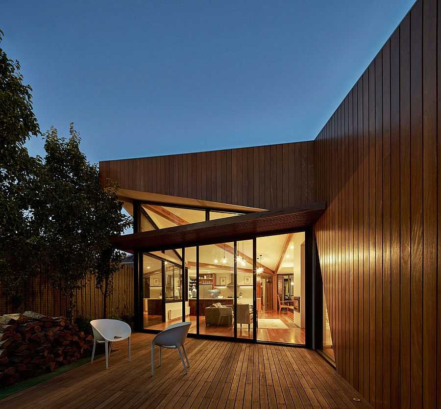 Modern Timber and Glass Extension Revamps Elegant Aussie Home