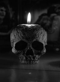 15 Creepy Gothic Candle Holder Ideas for a Scary Halloween