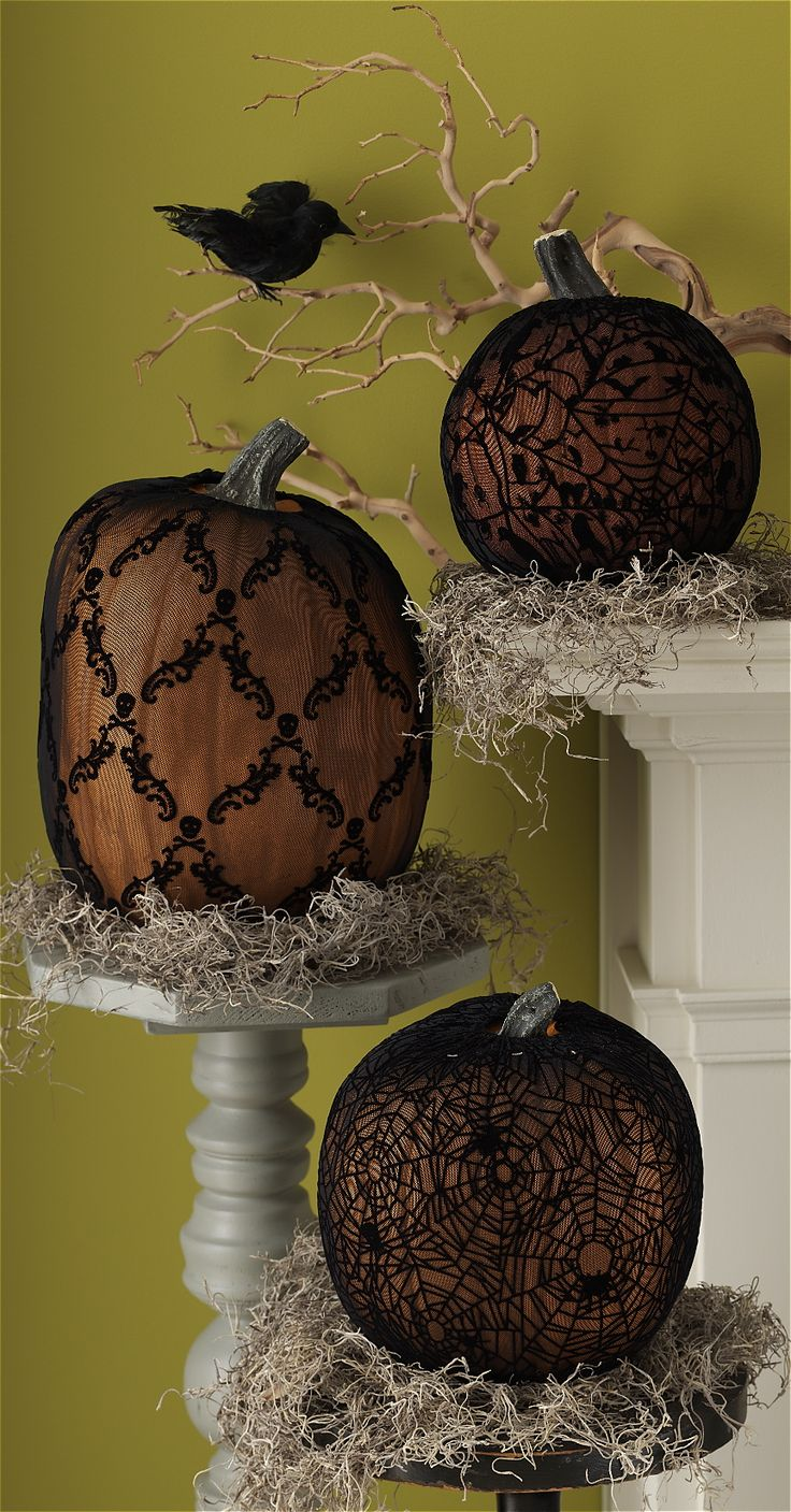 8 Easy and Chic Ways to Dress Up Your Pumpkins for Halloween