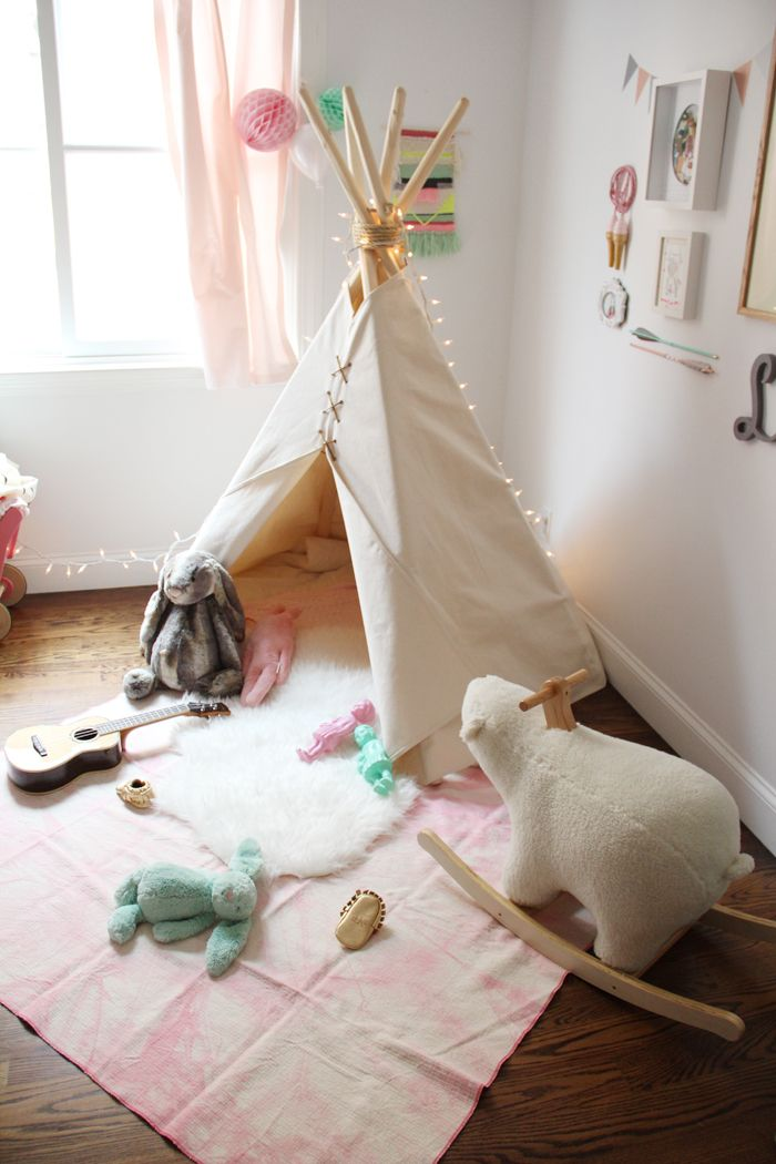 15 Whimsical Teepee Reading Nooks for Kids