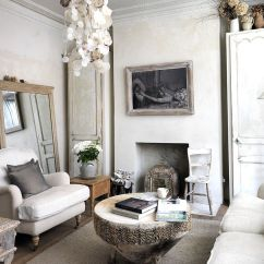 Shabby Chic Small Living Room Ideas Best Colors To Paint A 50 Resourceful And Classy Rooms View In Gallery Tree Trunk Coffee Antique Mirror Epitomize The Style Of Design