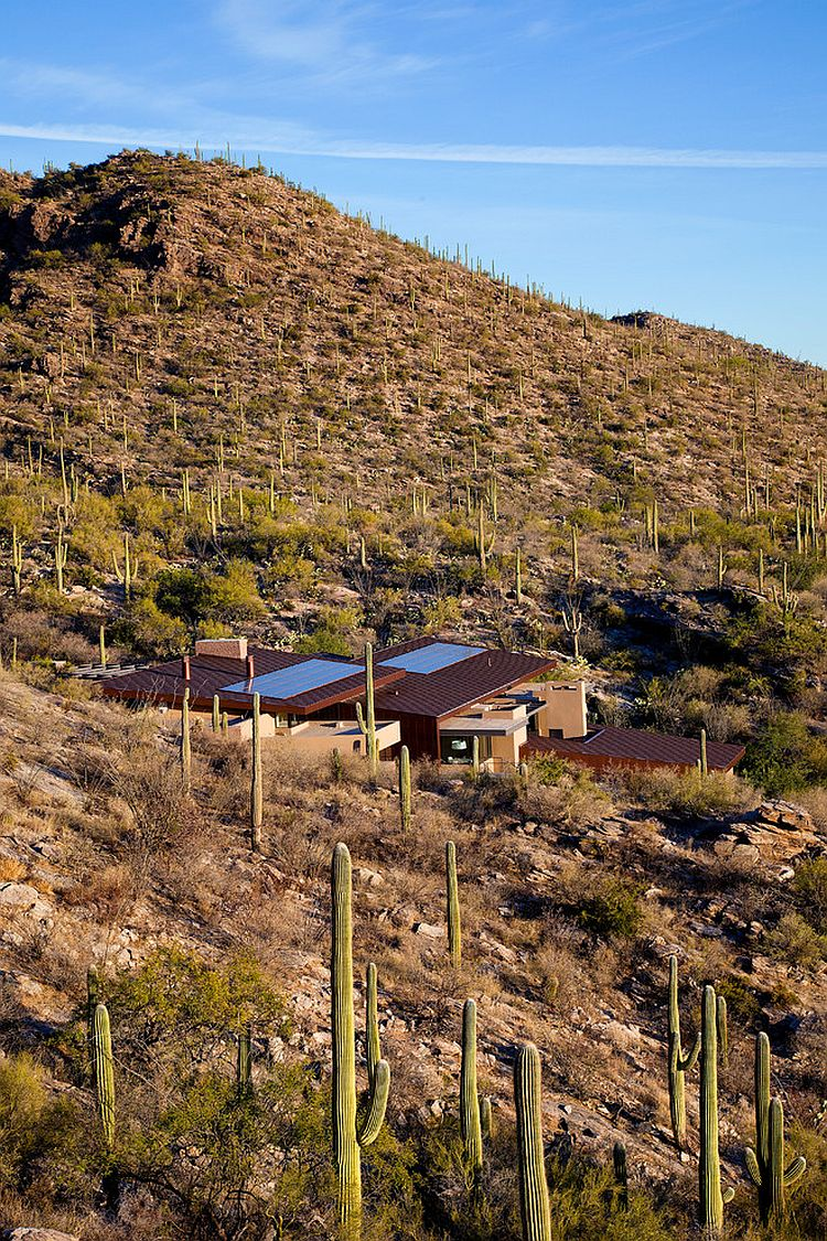 Solar Panels and EcoSensitive Design Create Smart Home in Sonoran Desert