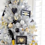20 Chic Black Gold White Holiday Christmas Decorations