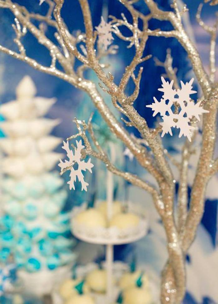 Frozen Party Decorations for a Festive Winter Fete