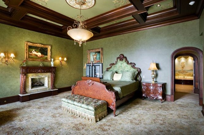 View In Gallery Custom Ceiling Designs With Ornate Patterns Are Perfect For The Victorian Bedroom Design Electronics