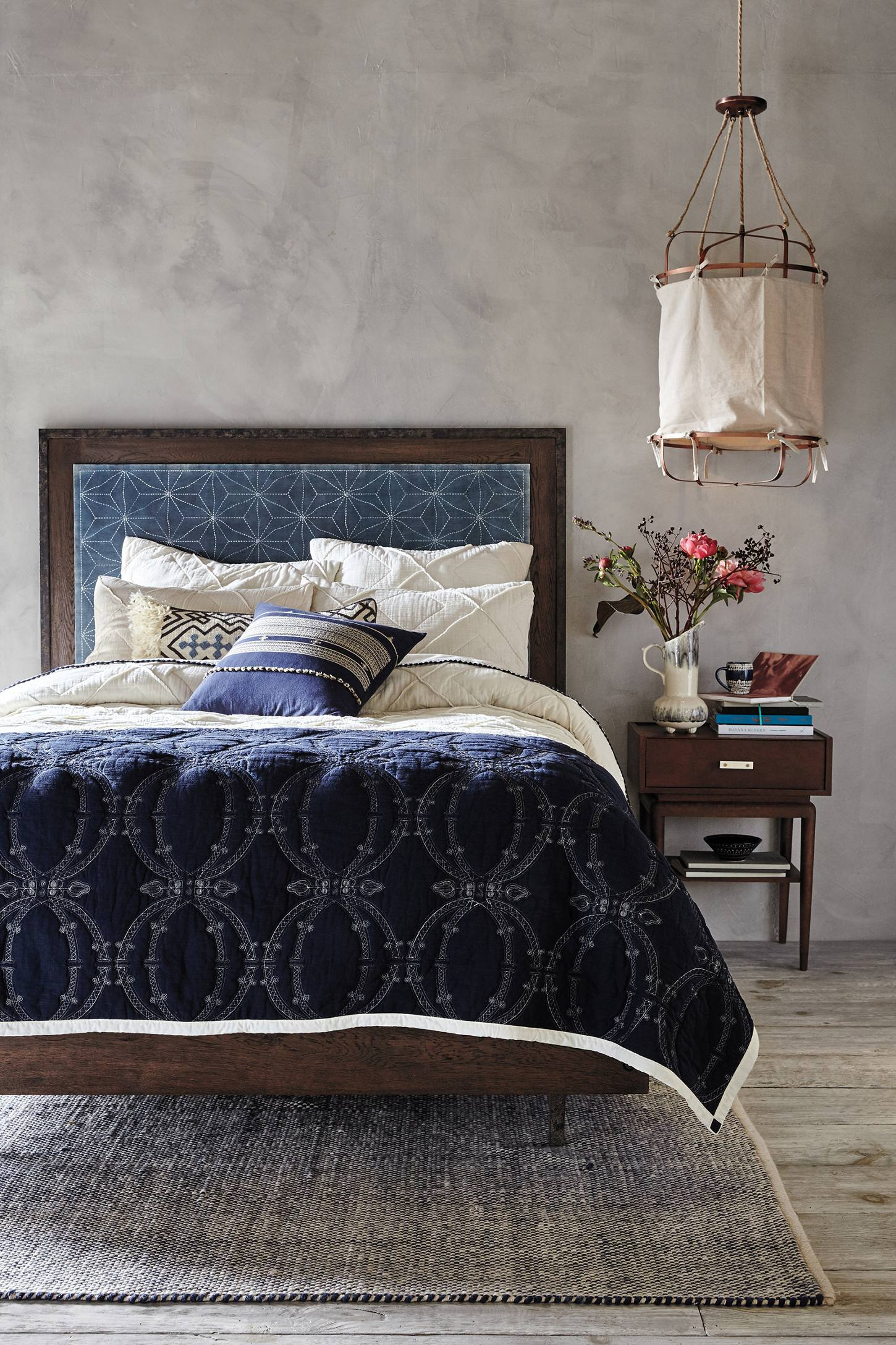 Design an Elegant Bedroom in 5 Easy Steps