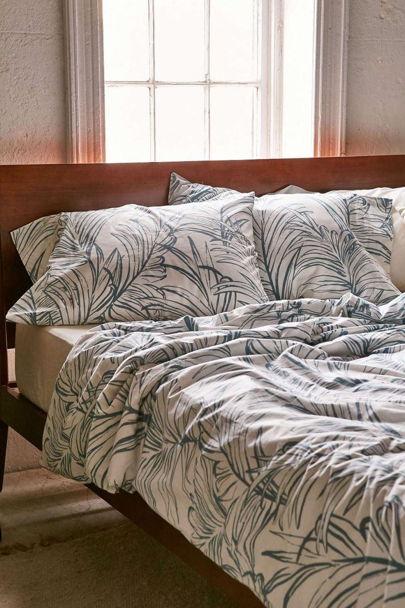 20 Refreshing Modern Bedroom Design Ideas