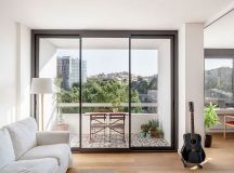 Sliding Doors Alter the Dynamics of Light-Filled Barcelona ...