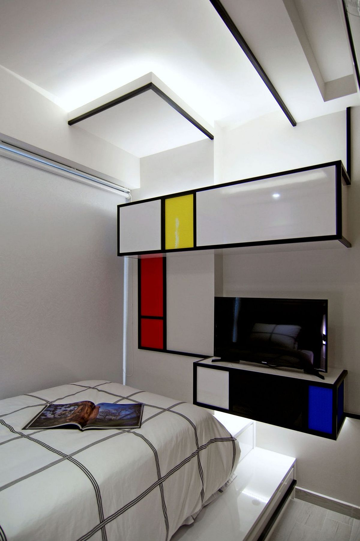 Rejuvenated Singapore Home Inspired By Piet Mondrian And Urban Street Aesthetics
