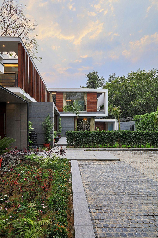 Wooden Slats Glass Walls And Modern Grandeur Gallery