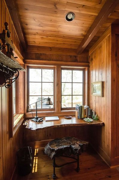 rustic home office design Natural Allure: 25 Home Offices That Celebrate the Charm of Live-Edge Décor
