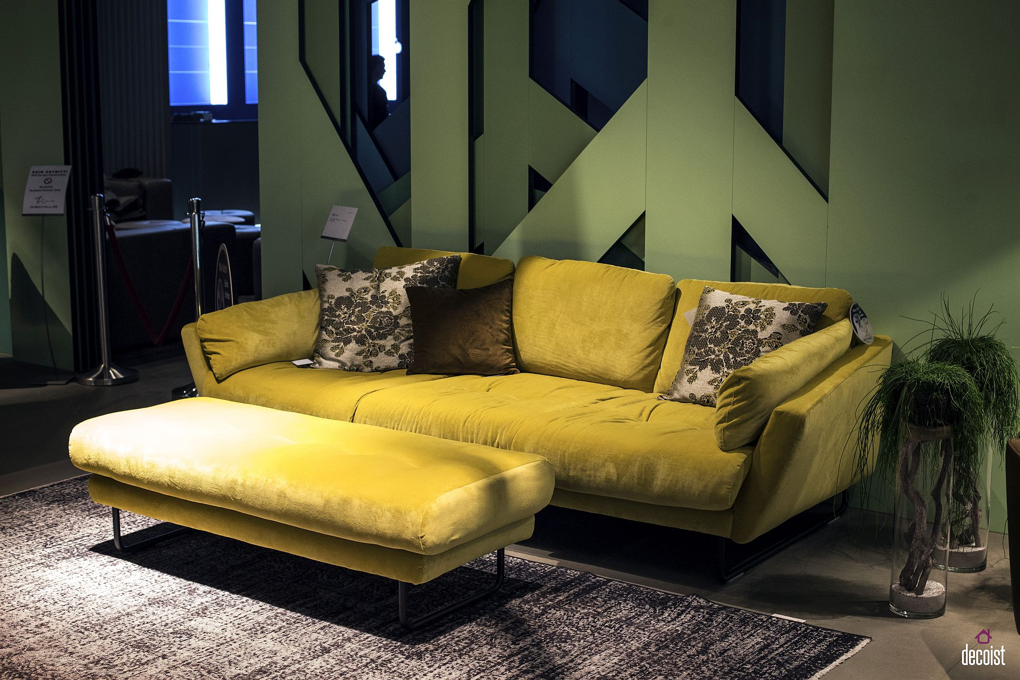 30 Bright And Comfy Sofas That Add Color To The Living Room