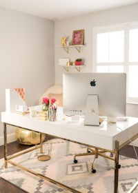 White and Gold Offices: An Elegant and Inspirational Workspace