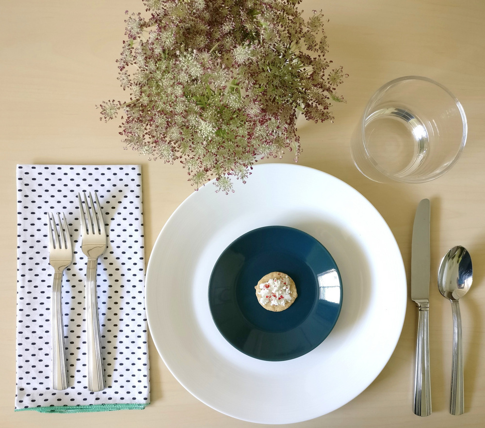A Refreshing Summer Table Setting 2 Ways