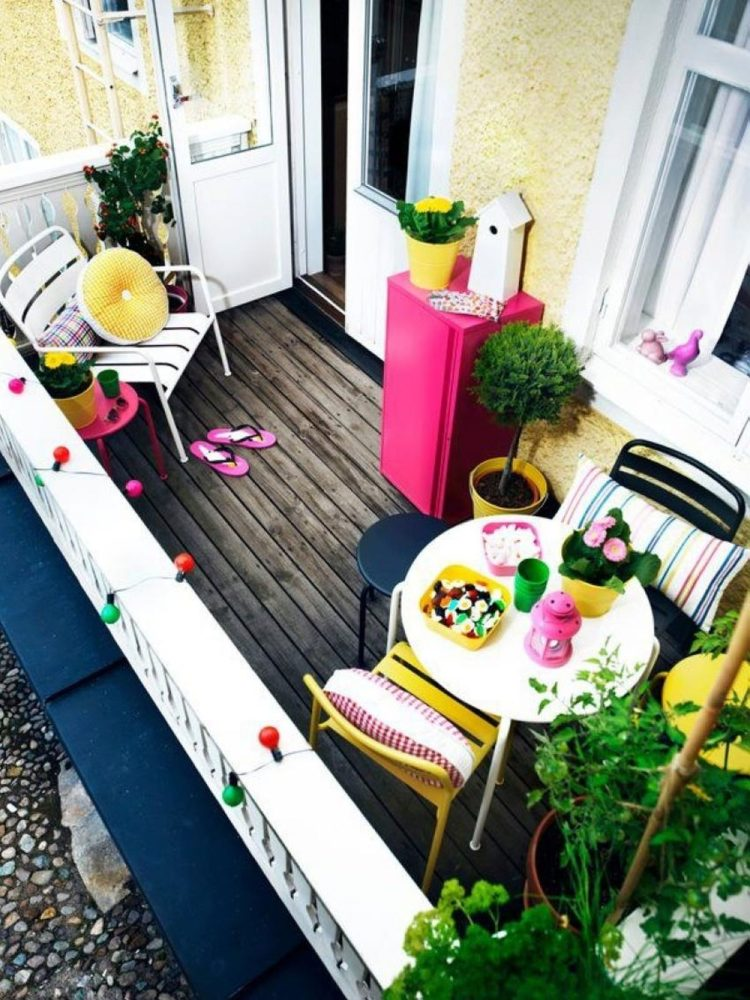 Small And Stylish Tiny Balconies That Utilize The Power Of Color
