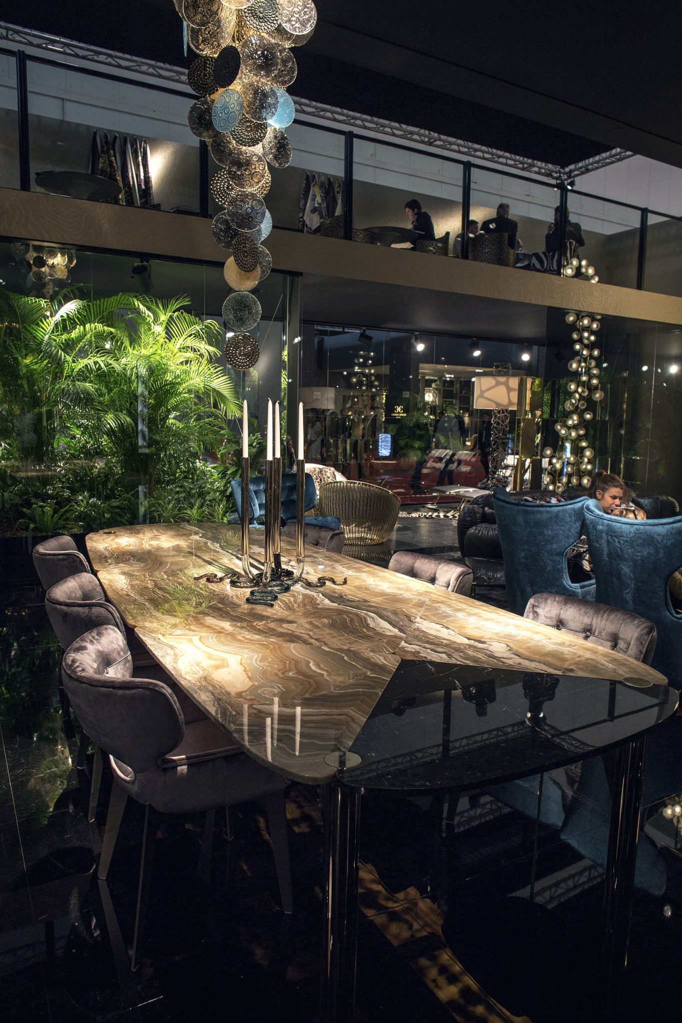 Luxury All The Way 15 Awesome Dining Rooms Fit For Royalty