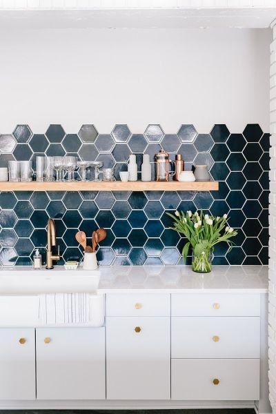 hexagon tile kitchen backsplash 10 Hexagonal Tiles Ideas for Kitchen Backsplash, Floor and More