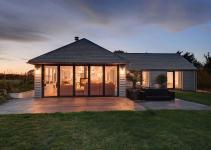 1960 Bungalow Altered Into Hypnotic Coastal Home