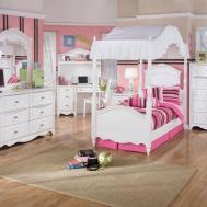 Accent Wall Kids Bedroom Blue Pink Black Fur