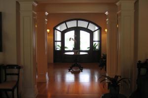 Beautiful Foyers Share Most